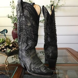 🌈 SALE PRICE Gorgeous hand made CORRAL boots.